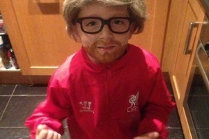 This kid dressed up as Jurgen Klopp for Halloween. Good skills... #football #soccer #klopp #liverpoo