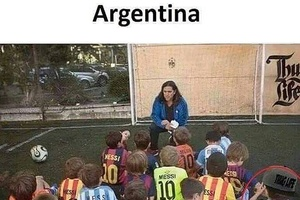 There's always one... #football #soccer #argentina #messi #ronaldo #barca #barcelona #realmadrid #ma