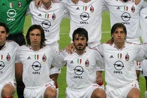 In 2005, AC Milan literally had 11 legends in their starting XI... #football #soccer #acmilan #milan