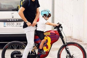Taking your son to school, Pique style... #football #soccer #Barcelona #barca #spain #españa #messi
