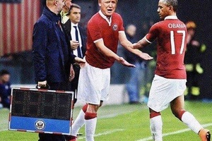 Worst substitution of all time? #football #soccer #usa #mls #mufc #cfc #afc #lfc #juventus #milano #