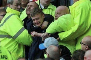 Disturbing scenes at the Sunderland yesterday as fans are forced to stay... #football #soccer #premi