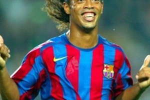 Happy Birthday to the legend... #football #soccer #ronaldinho #barca #barcelona #brasil #brazil