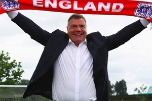 Big Sam in charge of England = 67 days  Chilean Miners trapped underground = 69 days... #football #s