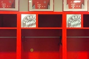 Alonso with a Justice for the 96 sticker in his locker at Bayern. Respect... #football #soccer #baye